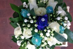 Bouquet-sposa-bianco-blue-e-azzurro